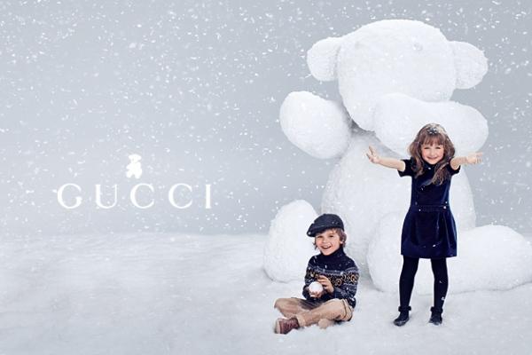 6ccb645e65e7c Crianças Brincam na Neve Para a Coleção Outono Inverno 2012 Gucci ...