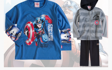 Camiseta de malha e conjunto de moletom e calça de abrigo com estampa do Capitão América