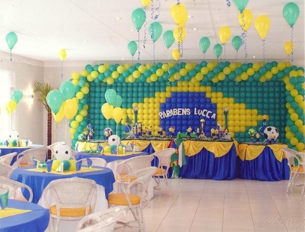 Decoração de futebol para festa de aniversário infantil