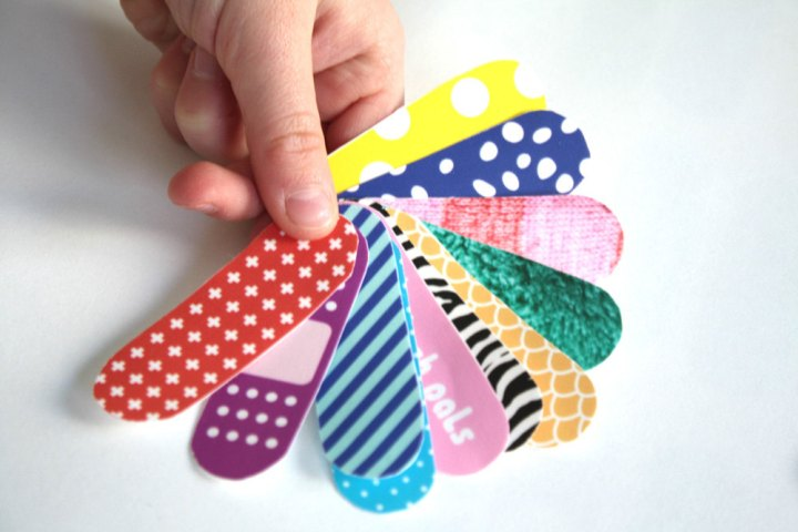 Band-Aid infantil para brincadeiras