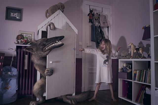 Fotos de crianças assustando monstros de Laure Fauvel