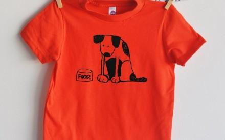Camiseta infantil com estampa de cachorro