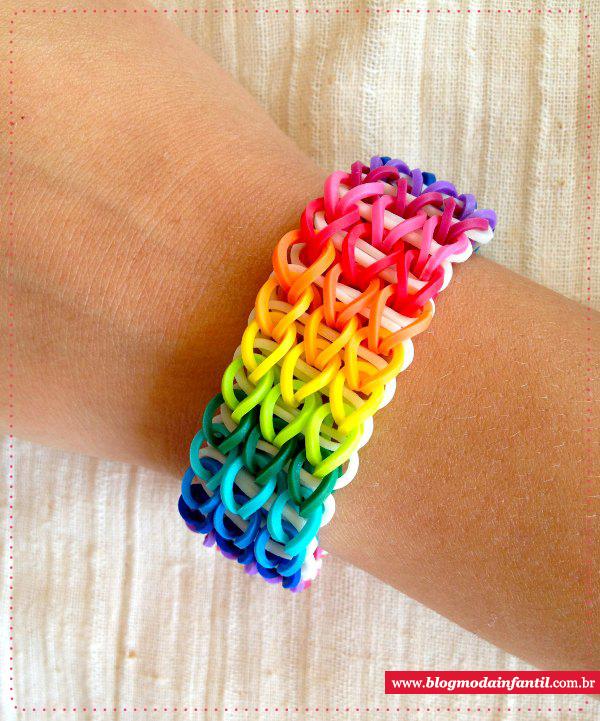 Pulseira de elásticos Rainbow Loom