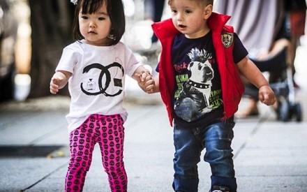 Crianças que se vestem bem