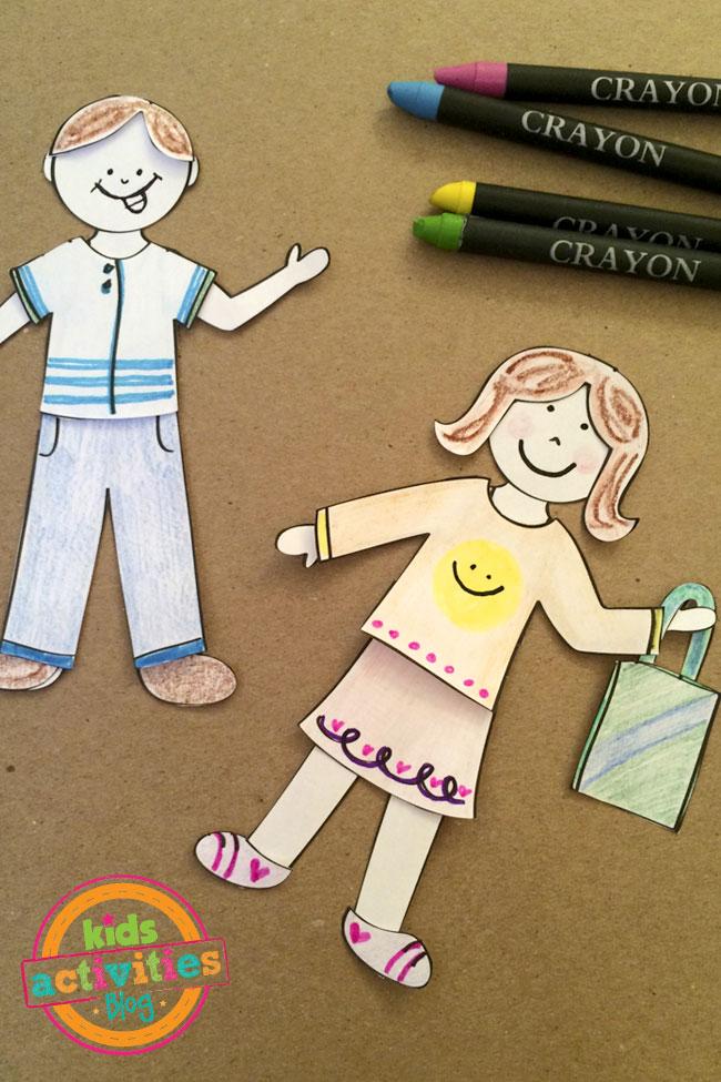 aprenda como fazer bonecas de papel com roupas customizadas blog