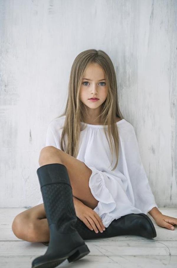 Menina de 8 anos a mais bonita do mundo