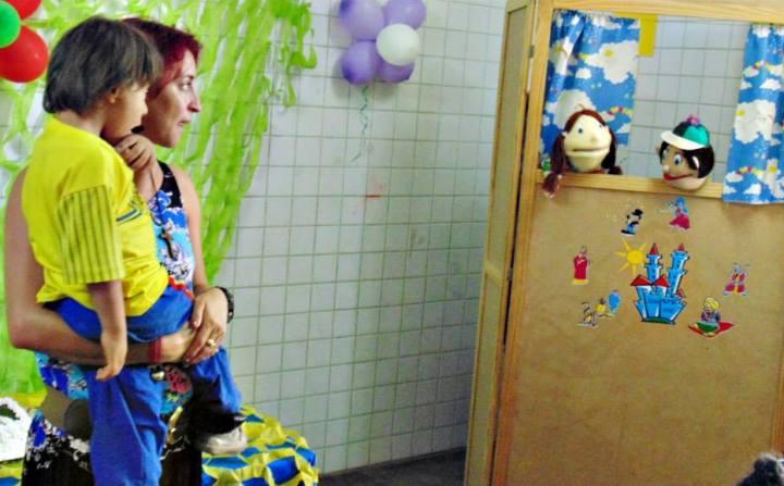 Cristina e Pietro da história O Bebê das Meias Vermelhas