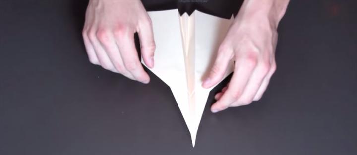 Tutorial de avião de papel que voa longe