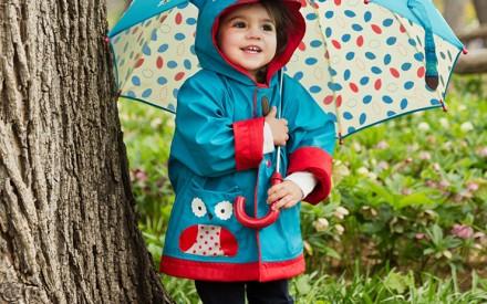 Capas de chuva e guarda-chuvas infantis