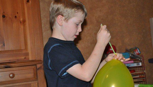 Passo a passo balões que brilham no escuro