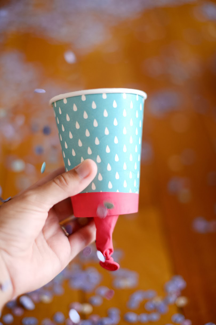 Aprenda como fazer um lançador de confete para o Carnaval