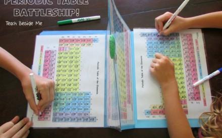 Mãe ensina tabela periódica brincando de batalha naval