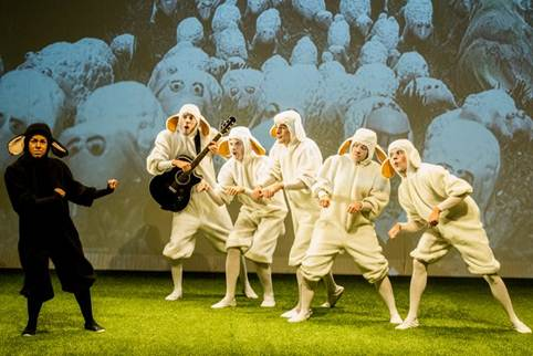 Corrente do Amor: teatro realiza sessão especial para crianças autistas