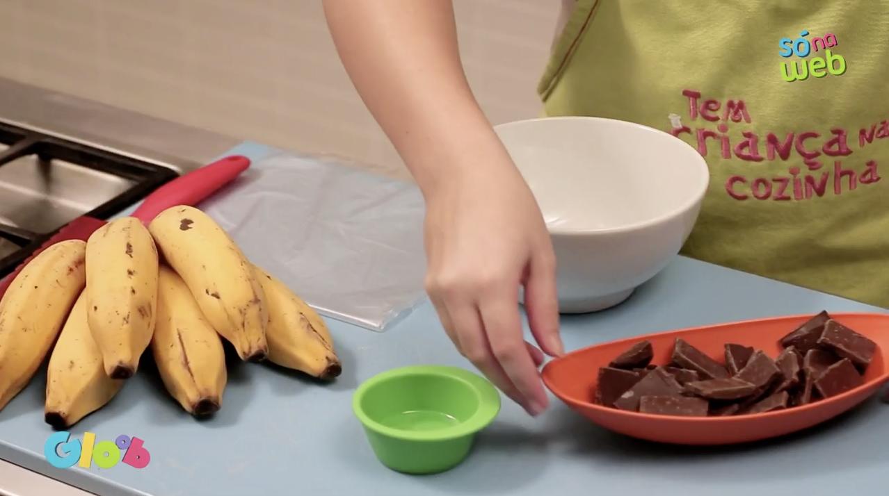 Crianças na Cozinha: aprenda como preparar um sorvetinho de banana