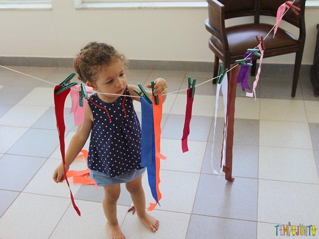 DIY: como fazer um varal infantil para estimular a habilidade motora dos pequenos