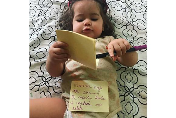 Menino escreve bilhete inusitado se passando pela professora e vira meme da internet