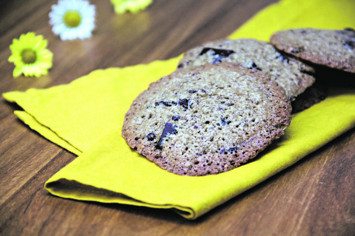 Flor e Bento Gil ensinam a preparar um delicioso cookie vegano