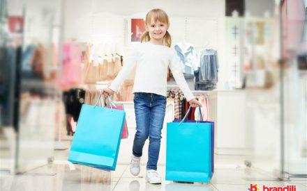 meninas comprando