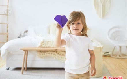 menina e origami